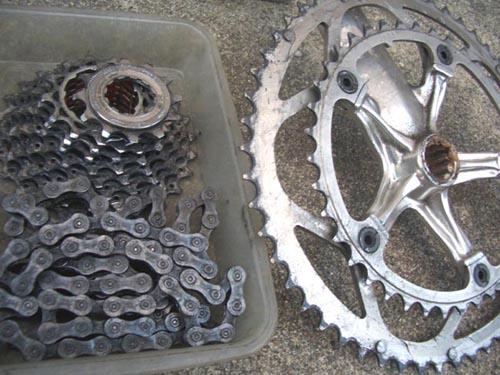 自転車の 自転車 チェーン サビ 油 : チェーンと前後のスプロケット ...