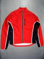 """キャノンデール モーフィスシェル カラー/RED(Lava レッド) サイズ/S・M・L・X 税込/¥14,700 凡用性の高い軽量ジャケットとして、また袖を外してベストとして着用できる """" 2ウェイ ジャケット """" です。特殊なマグナット式デザインにより両袖を一体として取外せます。天候の変化や体温調節に素早く対応できます。 両サイドポケット、胸ポケット、バックポケットは全てジッパー付きで安心で…[Posted at 10/12/01]"""