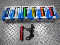 エアボーン スーパーノバポンプ サイズ/99×21×36mm 重量/49g 本体価格¥2,300 長さ99mmの携帯ミニポンプ。バックポケットやサドルバッグにもコンパクトに収まります。 カラー/ペイントブルー カラー/ペイントホワイト カラー/ペイントグリーン カラー/ペイントイエロー カラー/ペイントオレンジ カラー/ペイントピンク カラー/ペイントレッド ボトル台座取付け用ブラケット&ボルト…[Posted at 17/07/08]