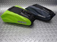 オルトリーブ サドルバック L カラー/ライム・スレート サイズ/L(H10×W23×D7/16 cm) 内容量/2.7ℓ 本体価格¥5,800 ドイツの 『 オルトリーブ社 』 は、独自の素材と溶接方法で機能性・耐久性を追求した世界的にも優れたクオリティーを誇る完全防水のバッグメーカーです。 カラー/スレート カラー/ライム キャリアなしで取付け可能な大型のサドルバッグです。 季節の変わり目に…[Posted at 14/08/10]