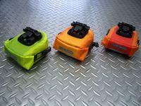"""オルトリーブ サドルバックマイクロ サイズ/H12×W11×D8cm 内容量/0.6ℓ カラー/ライトグリーン/ライム・マンゴー/オレンジ・シグナルレッド/オレンジ 税込¥2,835 超軽量"""" ロールクロージャー """"タイプの防水仕様のサドルバッグ 車種を選ばないデザインです。 付属の専用アタッチメントをシートレールに取付けておけば脱着もワンタッチで簡単です。 上から。 防水仕様なので雨天のライデ…[Posted at 12/11/15]"""