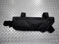 """サイクルデザイン バイクパッキング用トップチューブ バッグ カラー/ブラック サイズ/395×145mm 容量/2.1ℓ 本体価格¥4,800 バイクパッキング用のトップチューブ下部に固定するフレームバッグです。 """"バイクパッキング"""" とは、大型のバッグを直付けして荷物を運び、キャンプツーリングなどを楽しむことです。 自転車を改造したり、キャリアを取付けることなく簡単に取り外して通常スタイルに戻…[Posted at 18/12/22]"""