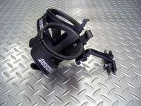 プロファイル デザイン リヤ マウント システム2(RM2)ブラック 重量/275g 税込¥5,700 サドルレール取付けタイプのボトルケージブラケットです。サドルレール(7mm)にクランプし、ボトルを2つ装着できます。トライアスロンや真夏のライドに最適です。 上から。 Kageボトルケージ2個付属。 サドルレールへの取り付け方が工夫され簡単に脱着可能です。 フレームのボトル台座にボトルケージを…[Posted at 13/08/29]