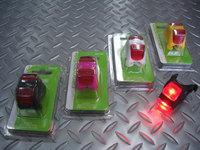 キャノンデール ライトニング レッドバグ カラー/ブラック・ピンク・ホワイト・マンゴ 税込¥2,520 レッドLED(特殊集光レンズ採用)を、2灯使用したリヤ用テールライトです。 連続点灯50時間・点滅150時間・交互点滅250時間 使用可能です。 生活防水。 柔軟性のあるシリコン製ボディーを使用し、シートポストやシートステーだけでなく、様々な場所に取付できます。 ライトボディ中央のスイッチで、…[Posted at 10/06/18]