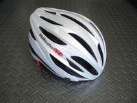 OGK KABUTO(オージーケー カブト) レフ カラー/パールホワイト サイズ/M/L(57~60cm) XL/XXL(60~64cm) 税込¥8,295 安全性と快適性の両立から生まれた、ユニバーサル・エントリーモデルです。JCF(日本自転車競技連盟)公認。各種レールに使用できます。 バイザーが標準装備されています。 必要に応じてワンタッチで脱着可能で、ロードでもMTBでもジャンルにこだわ…[Posted at 12/06/14]