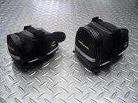 キャノンデール スピードスター シートバッグ サイズ/スモール(左)  容量/655ml 税込¥2,520 サイズ/ミディアム(右) 容量/980ml 税込¥2,940 キャノンデール オリジナル サドルバッグです。 ミディアムサイズは、約980mlの収納ができます。 内側に3つのポケットがあり、小物の収納に便利です。また、外側(底面)にもベロクロふた付きのポケットが付いています。 ウォータープ…[Posted at 13/02/28]