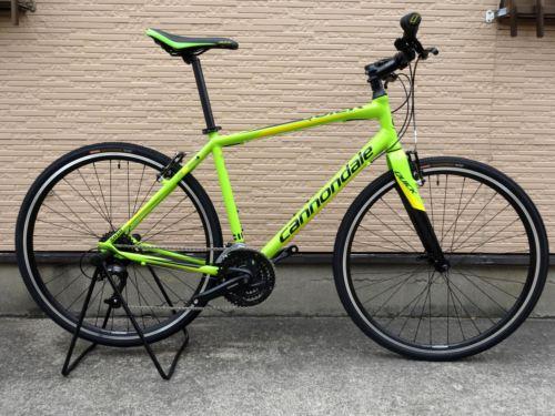 """キャノンデール クイック 4 カラー/Berserker Green w / Cadale Yellow & Black Accsents Gloss サイズ/L  本体価格¥74,000 名前のとおり素早いパフォーマンスができる俊敏なフラットバーバイク """" QUICK(クイック) """"。 バランスの取れた軽量設計とスムーズなライディング性能、そして、扱いやすいアップライトなポジションは、ファンラ…[Posted at 15/03/05]"""