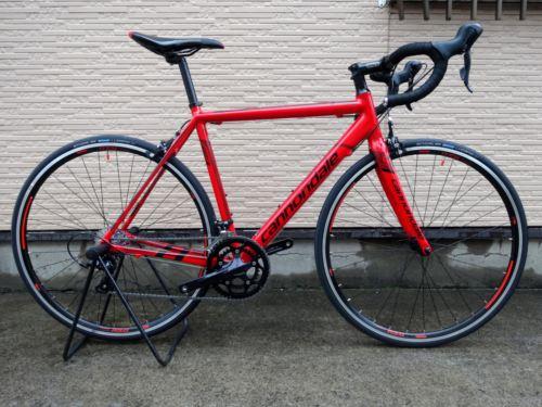 """キャノンデール CAAD8 SORA カラー/Race Red w / Jet Black & Oxblood Gloss  サイズ/51 本体価格¥115,000 キャノンデール ロードバイクのエントリーモデルである """" CAAD 8 (キャド エイト) """" 。 独自のアプローチで進化を遂げています。チェーンステーとシートステーに、サスペンションのような衝撃減衰システム """" S.A.V.E =…[Posted at 14/12/12]"""