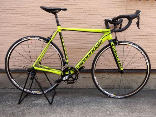 """キャノンデール CAAD12 105 カラー/Neon Spring w / Jet Black Gloss - NSP サイズ/52 本体価格¥210,000 『 CAAD10 』 から、大幅な設計変更を受け、まさに地球上でもっとも進化したアルミレーシングバイク  『 CAAD12 』 遂に登場です。 使用されるフレーム素材は"""" CAAD10 """" と共通の6069アルミです。  """" CAAD1…[Posted at 15/11/15]"""