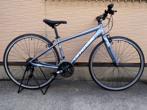 """キャノンデール クイック ウィメンズ 6 カラー/Blue Steel w / Cashmere Darkest Blue Reflective Detail Matte - STE サイズ/MD 本体価格¥59,000 バイクのある生活はここから始まります。 名前のとおり素早いパフォーマンスができる俊敏なフラットバーバイク """" QUICK(クイック) """"。 バランスの取れた新型軽量設計フレーム…[Posted at 16/09/05]"""
