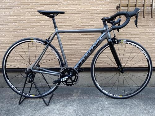 キャノンデール CAAD12 105 カラー/Charcoal Gray w / Jet Black - Satin / Gloss- BBQ サイズ/52 本体価格¥190,000 軽量で高剛性で、極めてスムーズなライドフィール。幾多のカーボンフレームを凌駕する 『 CAAD 12 』 は、自転車史に残る最も洗練され、高い性能を誇るアルミレーシングフレームです。 CAAD12 SPEED SA…[Posted at 18/04/19]