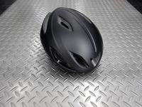 キャノンデール インテイク ヘルメット カラー/BLK サイズ/S/M(52~58cm) ・ M/L(58~62cm) 本体価格¥6,900 最近の流行のエアロ形状でありながら効果的に配置されたベンチレーションにより通気性を確保。 フロントビュー。 エアベントにサングラスを引っ掛けることができます。 13エアベントで空気抵抗を減少させ、ヘルメット内の通気性を高めます。 後部のベンチレーションは大…[Posted at 19/10/25]