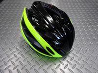 """BELL オーバードライブ カラー/ブラックレティーナシアーヒーロー  サイズ/M(55~59cm) 本体価格¥15,000 スッキリとしたラインとモダンでコンパクトな形状、2015'Newモデル """" オーバードライブ """"。 BELLのプロレーシングヘルメットから受け継いだ主要テクノロジーを採用して設計されました。 フロントビュー。 """" オーバーブローベンチレーション """" 前方のベンチレーション…[Posted at 14/11/28]"""