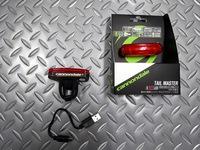 キャノンデール テールマスターライト サイズ/68×24×18mm 本体価格¥3,600 赤色LED5灯 USB充電式テールライトです。 振動センサー点滅モード付きで、昼・夜とも振動で点滅します。 USBケーブル、ユニバーサルブラケット 付属。 フック掛け仕様のため、サドルバッグやザックへもマウントも可能です。 付属のシリコンマウントで、工具を使わずに様々な場所に取付け可能です。 付属のUSBケ…[Posted at 17/04/06]