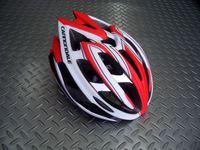 """キャノンデール テラモ  ヘルメット カラー/WHTRED(マットホワイト/チームレッド(日本限定カラー) サイズ/L-XL(58~62cm) 税込¥11,550 『 より安全に、軽量に 』 をコンセプトに、キャノンデールオリジナルのヘルメットが新登場。 新発想の2層構造EPSフォーム。 強度の異なるEPS(発砲ポリスチレン)を2層に重ねた新発想の """" ピーク・プロテクション """" は転倒時の衝撃…[Posted at 13/03/30]"""