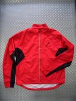 """キャノンデール モーフィスジャケット カラー/EMP サイズ/S・M・L・X 税込/¥10,500 ジャケットもベストもこれ一枚。特殊なマグナット式デザインにより両袖を一体として取外せる"""" 2ウェイ ジャケット """" です。天候の変化や体温調節に素早く対応できます。両サイドポケット、胸ポケット、バックポケットは全てジッパー付きで安心です。 バック スタイル。 生地は、2.5層ラミネート素材、モーフ…[Posted at 12/03/30]"""