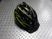 キャノンデール ラディウス ヘルメット  カラー/ブラック×グリーン サイズ/S・M(52~58cm) M・L(58~62cm) 本体価格¥6,900 パフォーマンス性を求めるライダーのためのリーズナブルなヘルメット