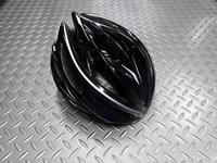 """カーマー アスマ カラー/ブラック サイズ/S/M(55~58cm)・L(59~60cm) 本体価格¥11,000  """" KARMOR(カーマー) """"は、4万人(うち日本人2万人)に及ぶアジア人の頭の形状をリサーチし設計・開発されています。日本人の頭にもフィットし工夫されたサイドの設計によりスッキリとしたシルエットです。 快適なフィット性、流線型の美しいフォルム。高い機能性とデザイン性が融合した…[Posted at 17/09/30]"""