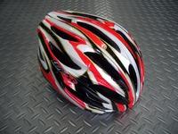 OGK KABUTO(オージーケー カブト) レフ カラー/ホワイトレッド サイズ/M/L(57~60cm) XL/XXL(60~64cm) 税込¥7,560 安全性と快適性の両立から生まれた、ユニバーサル・エントリーモデルです。JCF(日本自転車競技連盟)公認。各種レールに使用できます。 バイザーが標準装備されています。 必要に応じてワンタッチで脱着可能で、ロードでもMTBでもジャンルにこだわ…[Posted at 11/04/28]