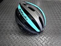 OGK カブト レッツア ヘルメット カラー/マットターコイズ サイズ/M/L・XL/XXL 本体価格¥8,700 着脱可能なバイザーが標準装備されたロードでもクロスバイクやMTBでも、ジャンルにこだわらずマルチに使える本格派モデルです。 フロントビュー。 欧米人と比べて横幅が広い日本人の頭に合わせた形状で優れたフィット感を多くの方に提供します。 また大き目のサイズまで幅広く展開されています。 …[Posted at 19/04/10]