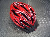 OGK KABUTO(オージーケー カブト) レフ カラー/コースレッド サイズ/M/L(57~60cm) XL/XXL(60~64cm) 税込¥8,295 安全性と快適性の両立から生まれた、ユニバーサル・エントリーモデルです。JCF(日本自転車競技連盟)公認。各種レールに使用できます。 バイザーが標準装備されています。 必要に応じてワンタッチで脱着可能で、ロードでもMTBでもジャンルにこだわら…[Posted at 12/04/04]
