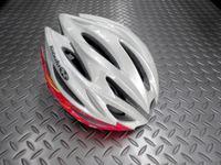 OGKカブト リガス-2 レディス カラー/ジオレッドイエロー サイズ/S・M (1サイズ) 本体価格¥13,500 細身のシルエットを実現した女性専用モデルです。頭をやさしく包み込む、快適フィッテイング設計モデル。JCF(日本自転車競技連盟)公認モデルです。 バイザーが標準装備されています。 まぶしい日差しが直接目に当たりにくいように、また雨天時には水滴を当たりにくくします。 必要に応じてワン…[Posted at 16/04/02]
