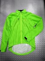 """スゴイ バルサ エボ ジャケット  カラー/BZR(バーサーカーグリーン) サイズ/S・M 本体価格¥16,000 """" ジャケット """"にも"""" ベスト """"にもなる、おなじみの 2in1 ジャケット。 特殊なマグネット式デザインにより、両袖を一体として取り外すことが出来ます。 天候の変化や体温調節に素早く対応できます。 前面は耐水性を高めた透湿性素材、袖と背面には防水素材を使用しています。バタつきに…[Posted at 18/12/05]"""