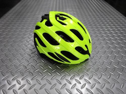 レイザー ブレイドプラス アジアンフィット  カラー/イエロー サイズ/L (58~61cm) 本体価格¥10,000 (10%税込価格¥11,000) スマートなフォルムに効率の良い22個のベンチレーションを備えた、ロード用ヘルメット。 LAZERの競技用の上位モデルはヨーロッパのプロチームのユンボヴィズマ、チームサンウェブにも採用され、国内でも有力チームを多くサポートしています。 このブレイ…[Posted at 21/09/13]