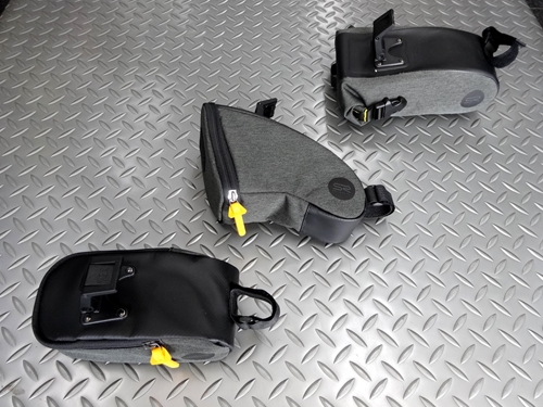 セラロイヤル サドルバッグ セラロイヤル&フィジーク製の 『 ICS(Integrated Clip System) 』 を搭載したサドルに直接取り付けできるサドルです。安定性を高めるベルクロストラップも装備しています。 セラロイヤル サドルバッグ ラージ サイズ/L 230mm×W 105mm×H 90mm 容量/2リットル 本体価格¥2,400 (10%税込価格¥2,640) 長時間のツアー…[Posted at 21/05/24]
